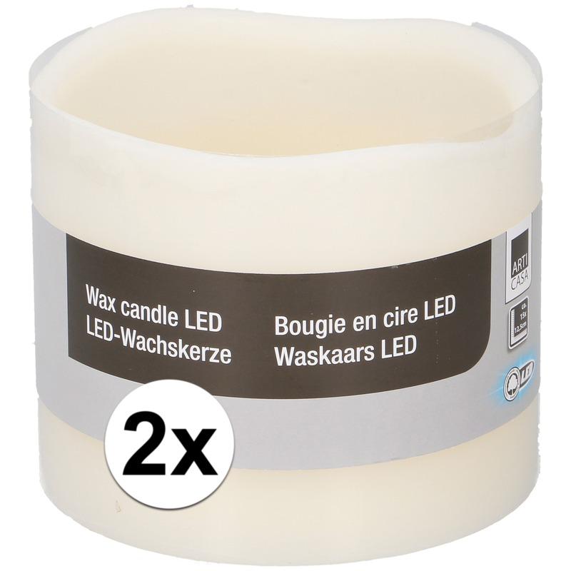 2x Witte LED kaarsen-stompkaarsen 12,5 cm