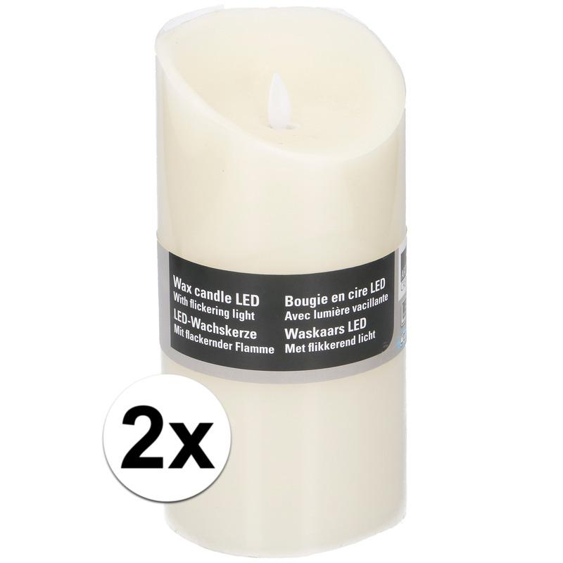 2x Witte LED kaarsen-stompkaarsen 19,5 cm