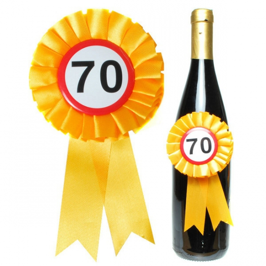 Verjaardag 70 jaar flessen rozet