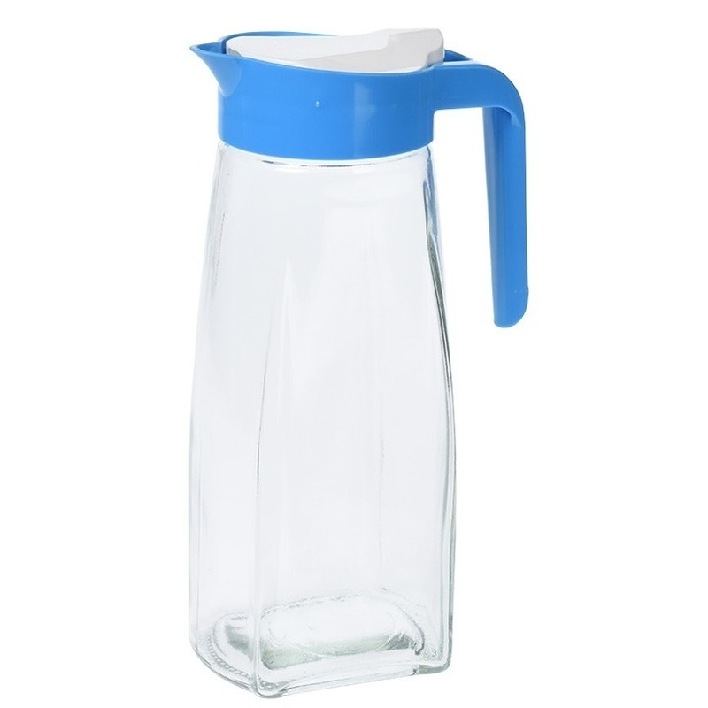 Glazen schenkkan met blauw handvat 1,5 liter